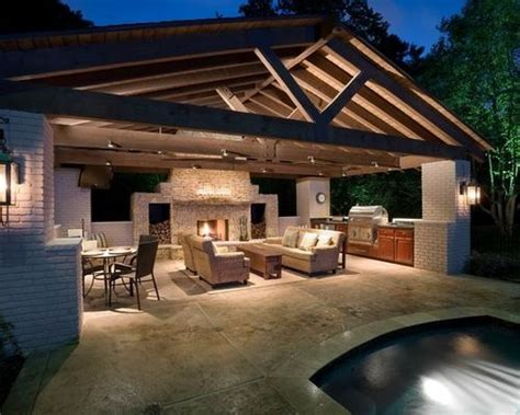 Backyard Designs With Pool And Outdoor Kitchen by Pool House With Outdoor Kitchen Farm House Ideas