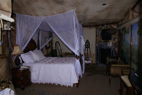themed hotels in idaho fantasy suite kilimanjaro picture of americinn lodge