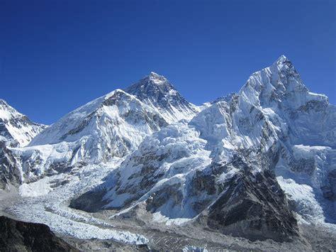 mount everest everest base c trek travel guide at wikivoyage
