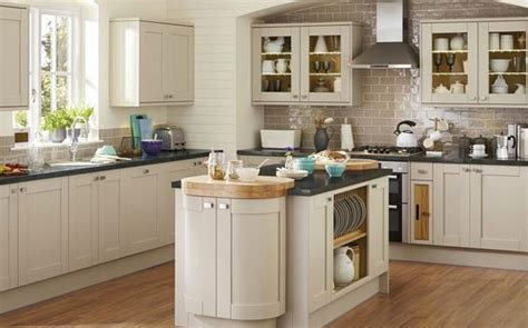 Die Kitchen Collection Uk by Howdens Joinery Kitchens Which