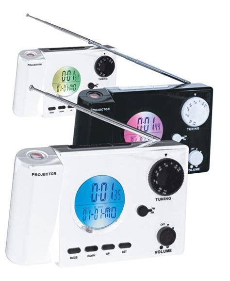 radio avec projection de l heure au plafond
