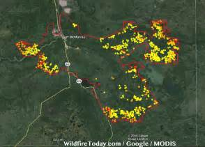wildfire map fort mcmurray spreads into saskatchewan wildfire today