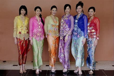 Dress Model Lengan Panjang Style Impor 1 do students in other asian countries dress in traditional costumes for graduation photos like in