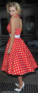 catherine tyldesley embraces 50s style in a fun and flirty