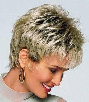 real short hair with feathered back perm on top fryzury damskie kr 243 tkie dla 50 latek kobieceporady pl