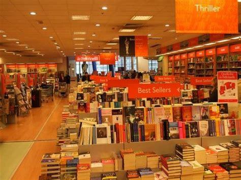 librerie feltrinelli roma la feltrinelli roma cultura musica e giochi per il tuo