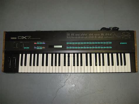 Keyboard Yamaha Dx7 yamaha dx7
