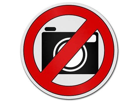 verbotszeichen aus aluminium fotografieren verboten
