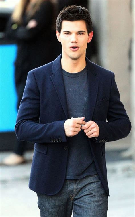 biography taylor lautner taylor lautner biography profile pictures news