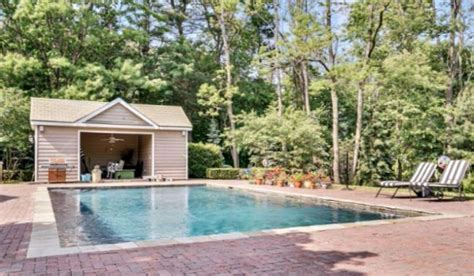 bruce springsteen house bruce springsteen s former nj farmhouse for sale celebrity house pictures