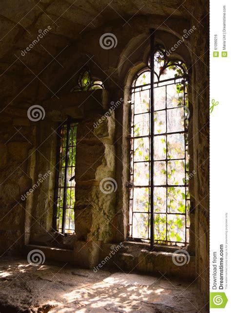 imagenes ventanas goticas ventanas g 243 ticas grandes viejas del castillo medieval en