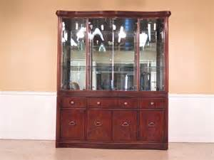 f37032e drexel heritage large china cabinet by