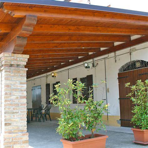verande in legno e vetro vetrate e verande coibentate chiusura di porticati