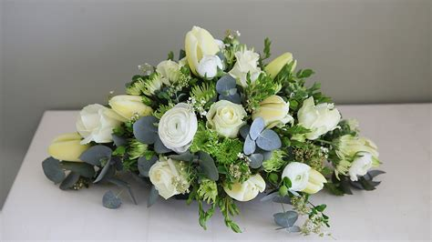 Sprei Flower white flower funeral spray hardys flowers