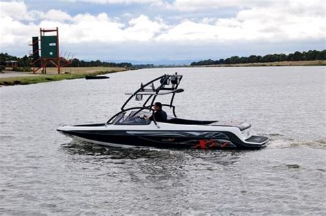 xfi boats xfi aurora v review trade boats australia
