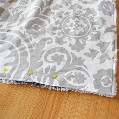 how to make a throw rug from fabric the world s catalog of ideas