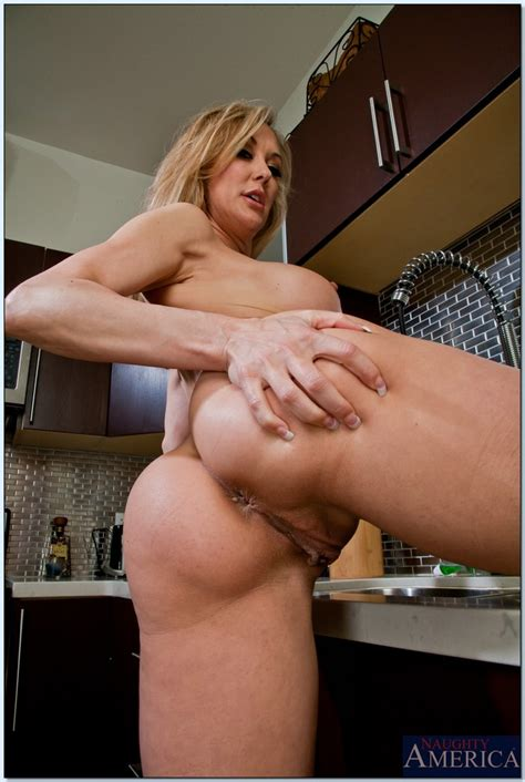 sportive milf brandi love posing in kitchen and tasting a delicious rod