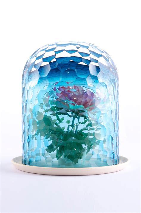 designboom vase op vase creates bouquet through kaleidoscopic optics