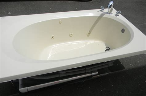 quot maax aker quot hydromassage bathtub ov 4272 w moen faucet ebay