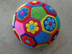 Crochet African Flower - how to make an african flower soccer ball crochetbug