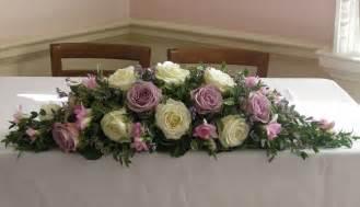 tisch blumenschmuck hochzeit wedding flowers sam s wedding flowers lilacs purples