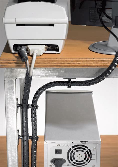 Kabel Unterm Schreibtisch Verstecken by Wie Wird Kabelsalat Im B 252 Ro Und Zuhause Am Besten Beseitigt