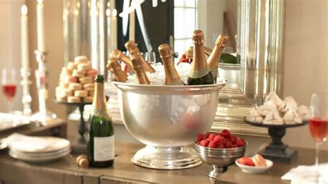 new year tub new year s 2015 how to plan a killer last minute stylecaster