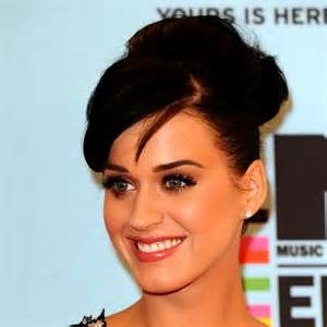 katy perry biography en francais katy perry biographie plurielles fr