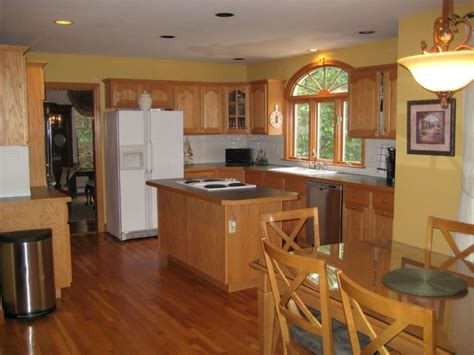 best color to paint kitchen with oak cabinets light or pictures colors maple trends