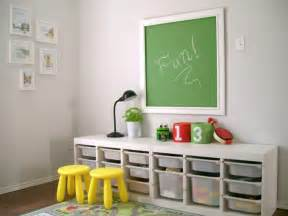 rangement salle de enfant 50 id 233 es astucieuses