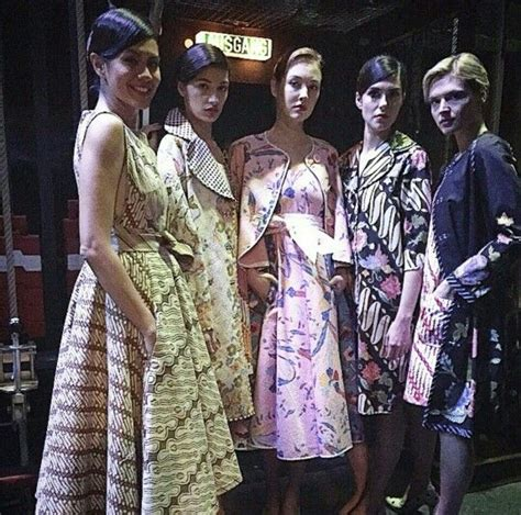 sarimbit batik dres lipit 72 b 228 sta bilderna om batik dress p 229 appar
