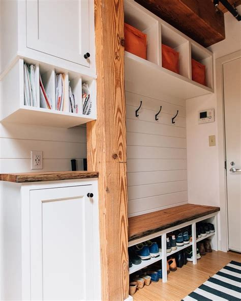 how to build a mudd station best 25 mudroom ideas on pinterest mudd room ideas mud rooms and mudroom storage ideas