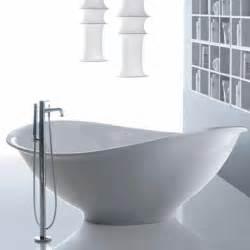 freistehende badewanne mit armatur sanikal bad heizung l 252 ftung badewannen duschen