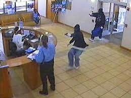 banca popolare di novara caserta isernia rapina in banca due arrestati paese news