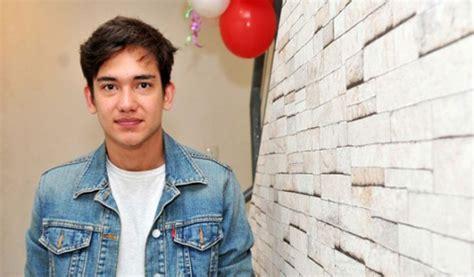 film romantis indonesia adipati dolken adipati dolken aktor muda yang berbakat dunia film dan