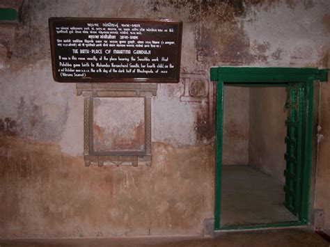 gandhi born place gujarat