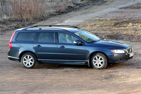 used 2008 volvo xc70 wagon pricing features edmunds 2008 volvo v70 gallery