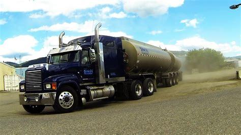 amck k mack trucks 1 gotta love mack s distinctive sound