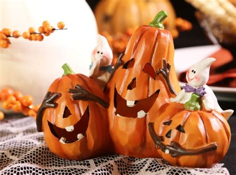 Small Shop Decoration Ideas classic country halloween decoration ideas halloween