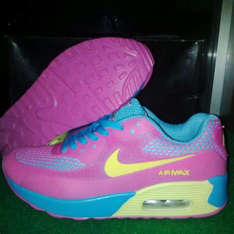 Sepatu Nike Airmax Wanita R 18 jual sepatu nike air max premium 90 lelono sport