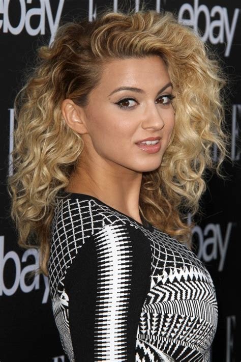 What Side Does Tori Kelly Part Her Hair | what side does tori kelly part her hair photos tori