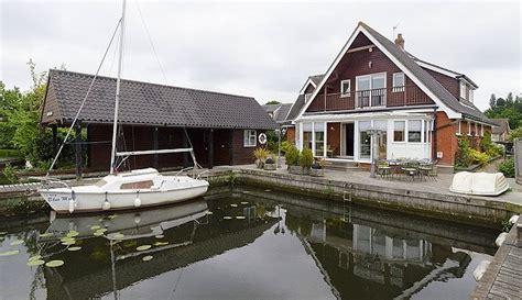 waterside retreat cottage wroxham norfolk broads