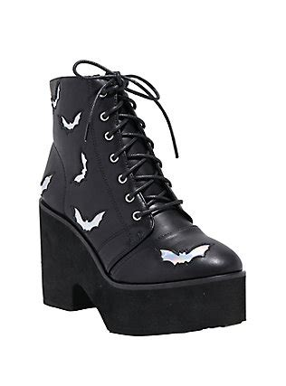 Shoes, Boots, Sneakers & Creepers for Guys & Girls | Hot Topic Hot Topic Shoes