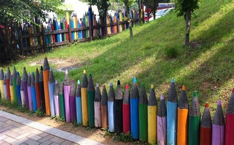 Lu Akuarium Warna Warni 15 pagar rumah unik paling kreatif sedunia