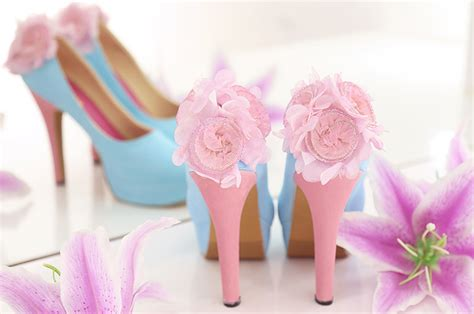 Biru Pink Sepatu Lukis Platform Pompom Biru Pink