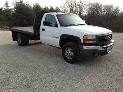 automobile air conditioning service 2006 gmc sierra 3500 navigation system sell used 2006 gmc sierra 3500 sl standard cab pickup 2 door 6 0l 11 flatbed 4x4 in hartsburg