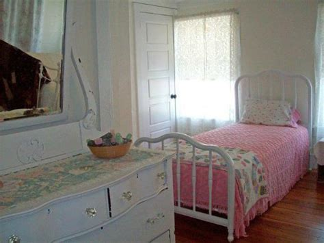 patsy cline house bedroom picture of patsy cline house winchester tripadvisor