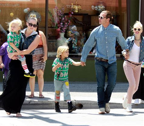 How Gwen Stefani Spent Mothers Day by Gavin Rossdale Photos Photos Gwen Stefani And Family