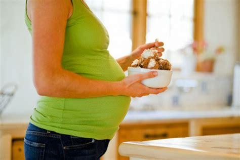 alimentazione donna incinta alimentazione in gravidanza cibi ammessi e vietati