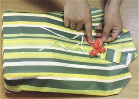 tutorial bungkus kado yg lucu cara membuat pembungkus kado unik